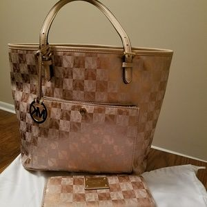 RARE Rose Gold Michael kors bag and wallet